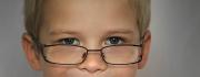Kinderaugen mit Brille